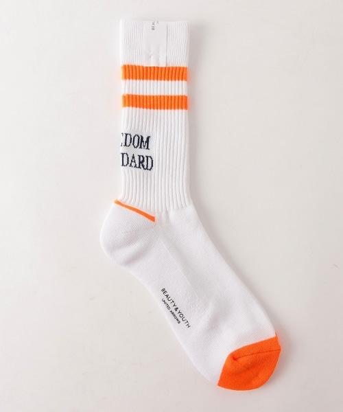 BY 線條LOGO襪子