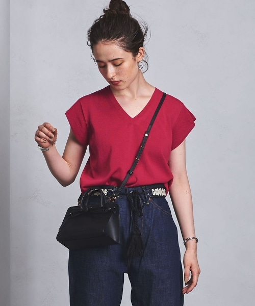 □UWSC MINI V領短袖針織上衣