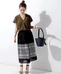UWBT 刺繡褶裙