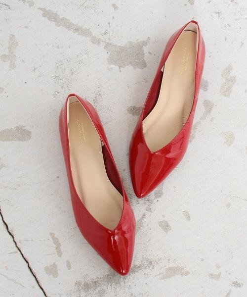 BY∴ 漆皮V型平跟PUMPS包鞋