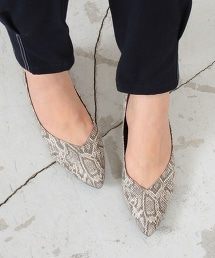 BY∴ 蛇紋V型平跟PUMPS包鞋