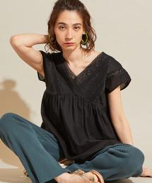 BY∴ 蕾絲刺繡 V領 罩衫 -可手洗-