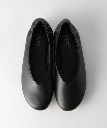 BY V形切割後跟抓皺平底鞋