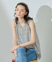 CFC 印花 素色 縮褶 無袖罩衫