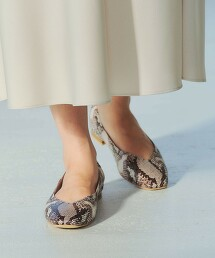 ★CFC 方頭 V型剪裁 平底鞋(1cm高)