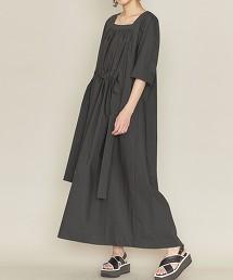 <ASTRAET>碎褶方領洋裝