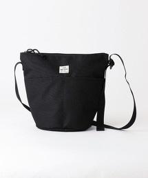 肩背水桶包