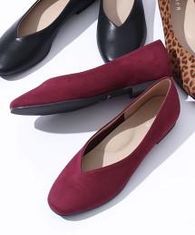 V型剪裁平底鞋